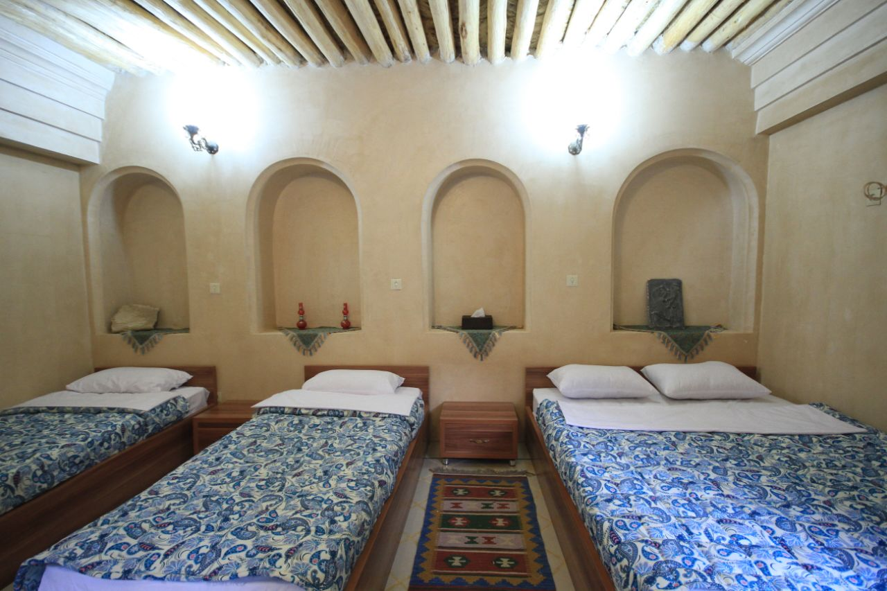 Mahomonir Traditional house Rooms