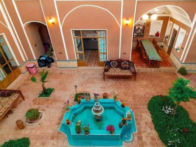 Varzaneh Hostle